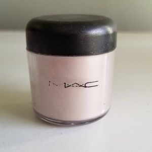 RARE DISCONTINUED M.A.C PIGMENT IN YOUR LADYSHIP